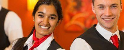 Deutsch im Restaurant ist ein Deutschkurs für Mitarbeitende in Service und Restauration in Zürich, Zug, Luzern, Schwyz